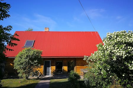 """""""Rozes"""" holiday house with a garden near the sea"""