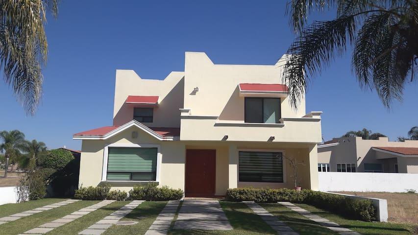 """""""Casa Márquez""""  confort en la laguna de Cajititlan"""