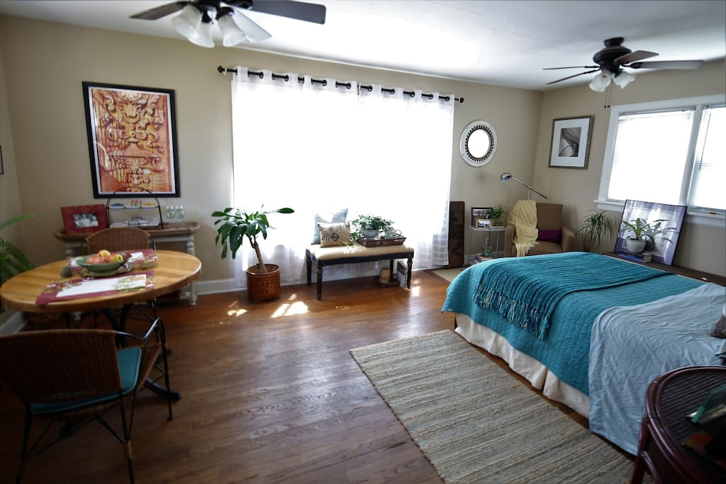 studio apartment walk to osu campus or downtown. Black Bedroom Furniture Sets. Home Design Ideas