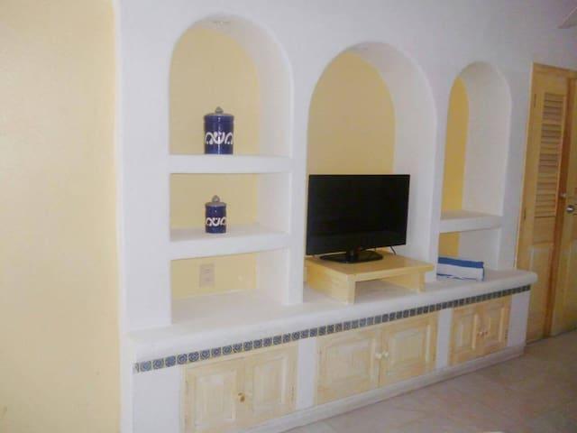 Condominio en hotel tesoro Ixtapa - Ixtapa - Apartment
