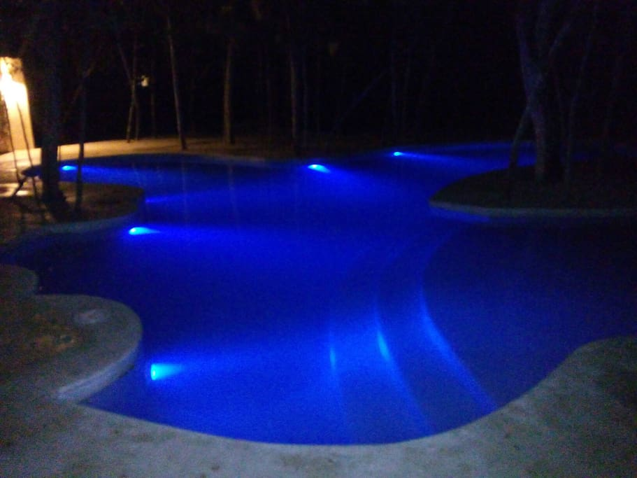 swimimg pool at night