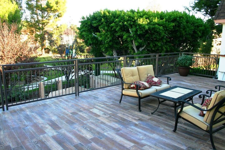 Gorgeous sunny room with private bathroom near UCI - Irvine - Haus