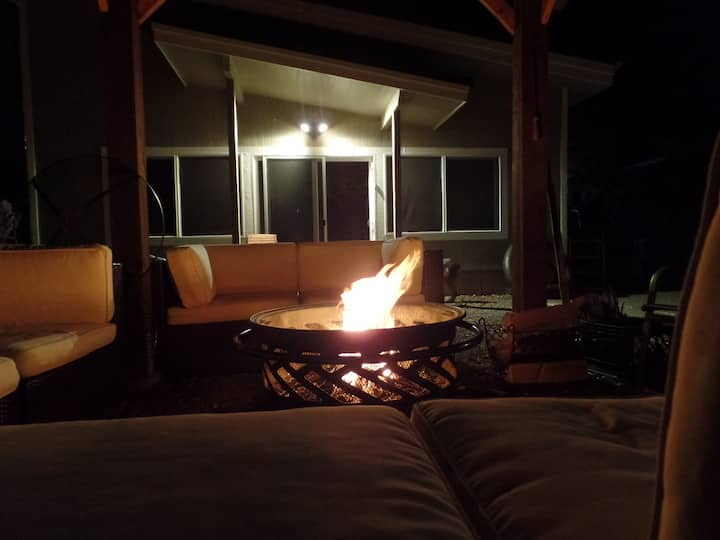 Sanitized Modern Cabin in Private Area W/ Hot Tub