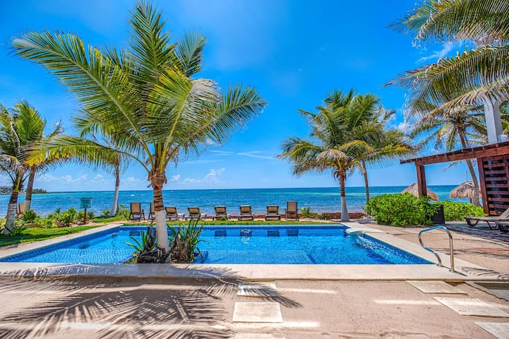 NEW!!! LAST MINUTE DEALS! BEACHFRONT! POOL! A/C!