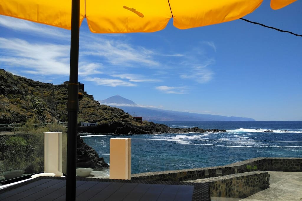 Vistas al majestuoso Teide y al mar
