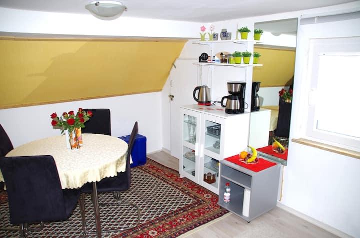 Gemütliches Zimmer, auf Wunsch mit Frühstück