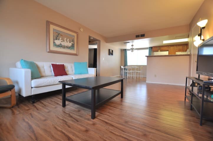 Clean 2 Bedroom Walk To Tempe Lake Mill Ave Asu Apartments For Rent In Tempe Arizona