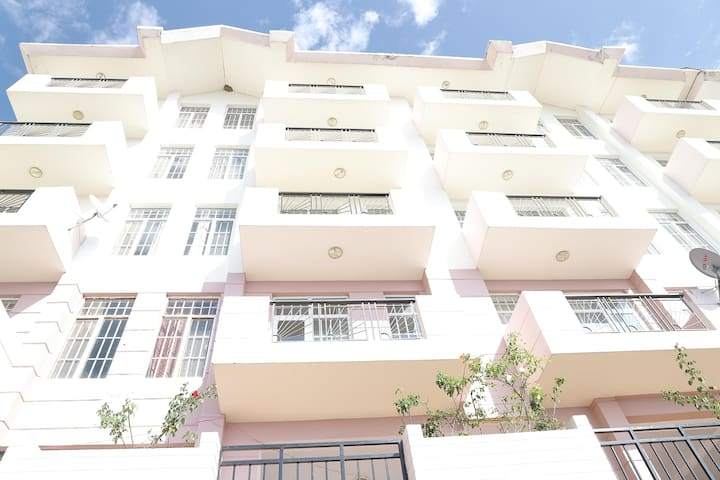 OYO - Best Deal! Hill-View 2BHK Home in Kamyana, Shimla
