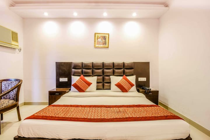 Budget Room In M Block  DLF city 2 Gurgaon