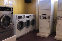 Laundry inside La Paloma/ Lavandería dentro de La Paloma