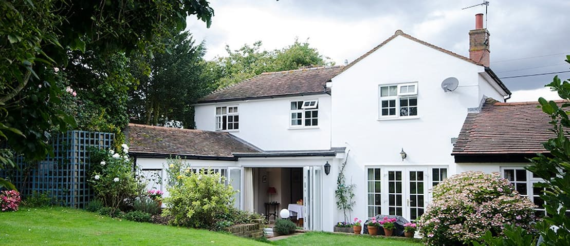 Pope Cottage Bed & Breakfast - Rainham