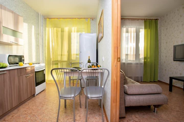 Классная квартира в новом доме у Карусели