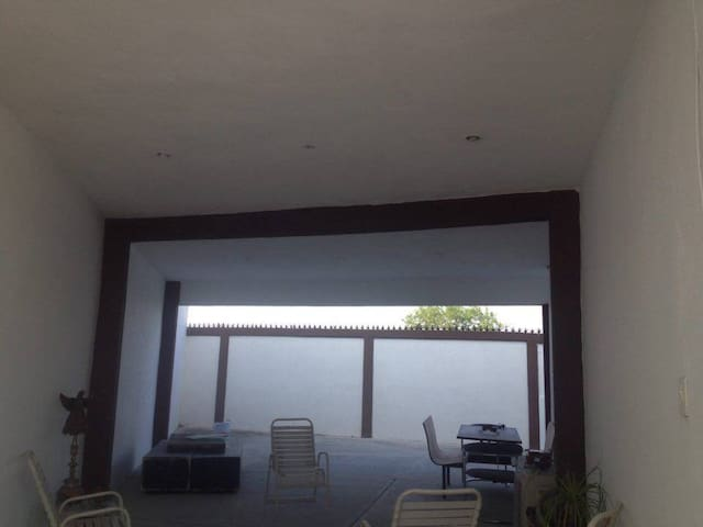 Casa en fraccionamiento privado - Reynosa - House