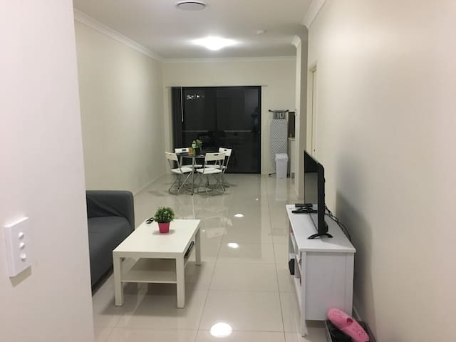 Bedroom with own Bathroom in Eight Mile Plains