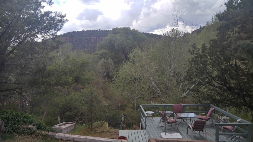 Trails End Riverfront Retreat - Payson - House