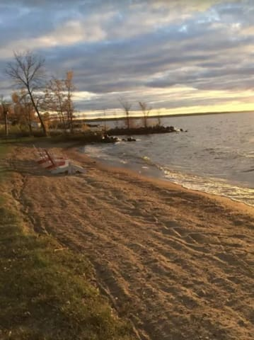 Sunsets Sand Harbor 4,000 sf sleeps 15 LEECH LAKE!