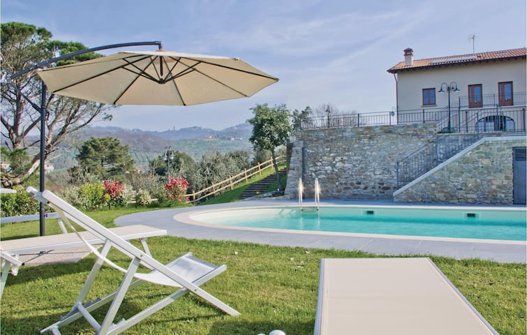 Semi-Detached with 1 bedroom on 80m² in Lamporecchio PT