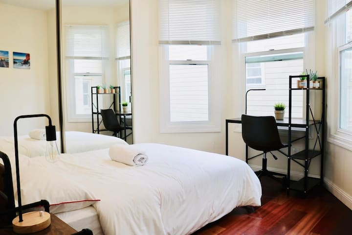 #aD15 Sunny room for 1-2 near Union Sq/Downtown