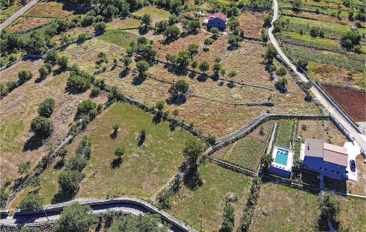 Awesome home in Primorki Dolac with WiFi and 3 Bedrooms