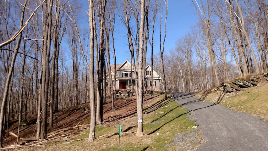 Lake House on the Hill - East Stroudsburg - Casa
