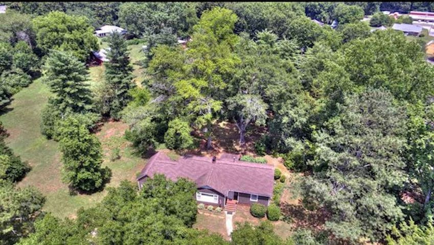 Set on 11 private acres