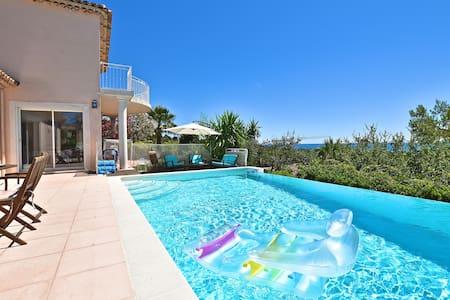 Magnifique villa & piscine vue panoramique mer !! - Villeneuve-Loubet