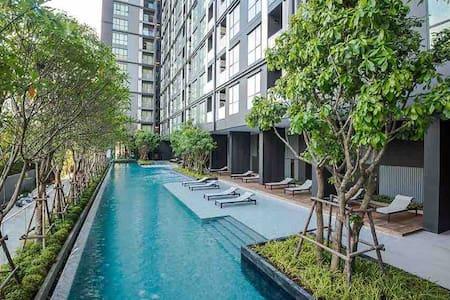 Pool view The Base condo Udonthani ห้องวิวสระว่ายน้ำ