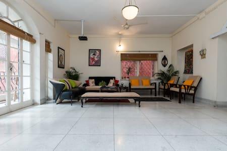Central location; comfy room! - Kolkata - Pis