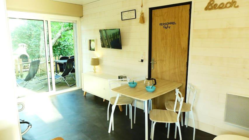 Studio 2* terrasse 18m2 jardin jacuzzi