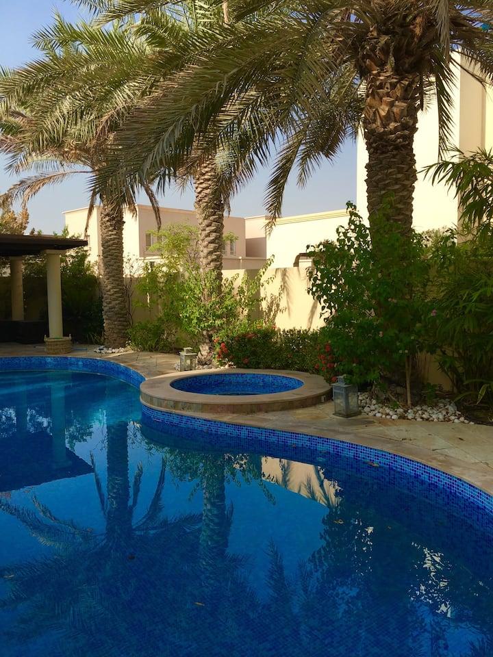Beautiful family villa - huge pool