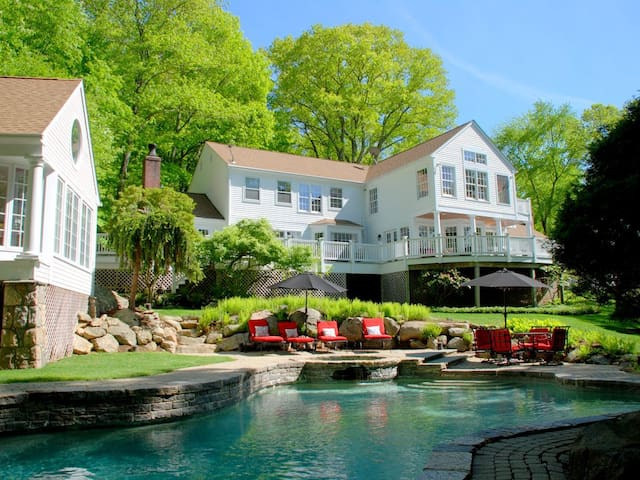 CT Country Estate Rental Pool/Spa/Tennis Court - New Canaan - Huis