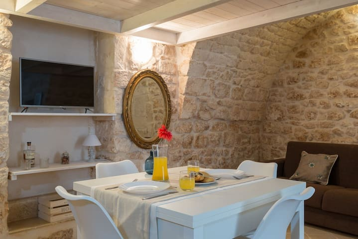Romantic Ostuni mini-loft