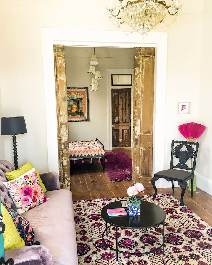 Funky artist home in the REAL New Orleans