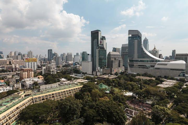 RARE : Central, Panoramic Views, Luxury