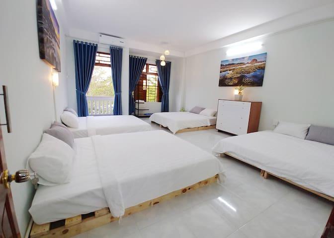 Dorm room- Twinkle House