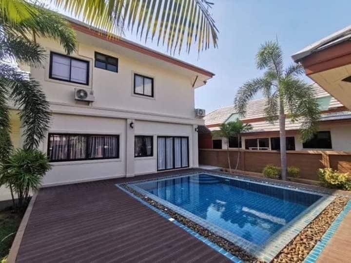 私人泳池别墅,适合家庭聚会,距海边8分钟,景点10分钟