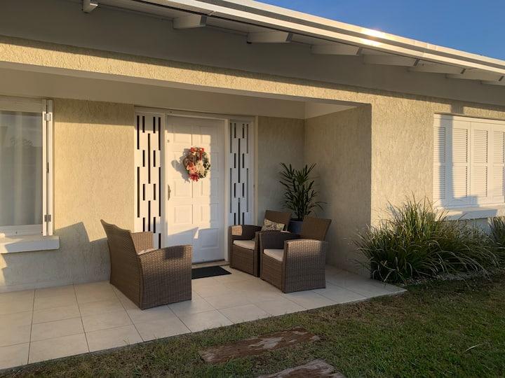 Casa ampla, piscina aquecida, wi-fi, split
