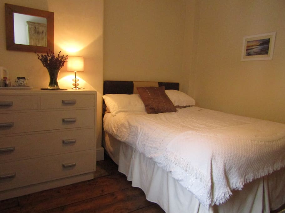 Double bed with single off.