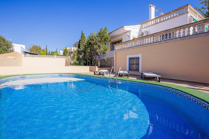 New! Villa Saturn: House with pool and terrace
