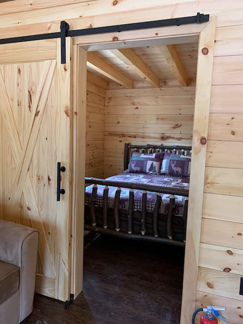 森の小さな小屋