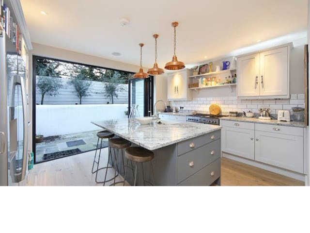 Recently refurbished family home in Parsons Green