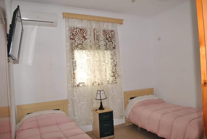 Charming quite room close to attractions