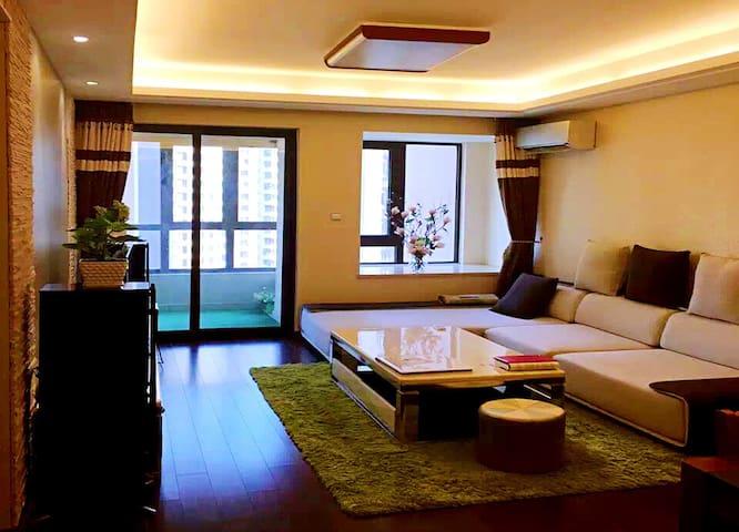Sunny room @ Vanke 温馨舒适的新房,万科高端品质住宅!临近机场、高铁站和CBD。 - Zhengzhou - Wohnung