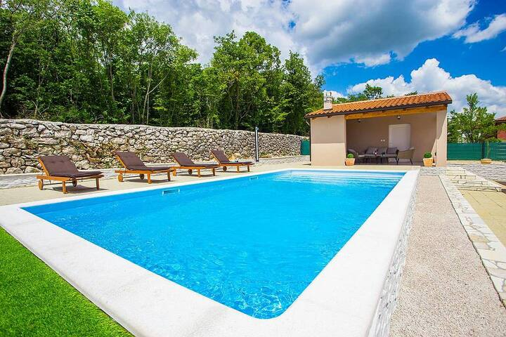 Villa Asteria with swimming pool