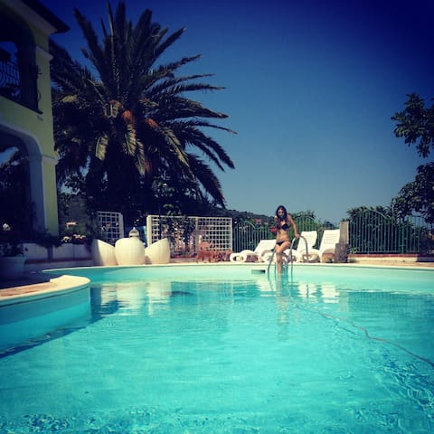 Appartamento tipico con piscina! - Malamurì - Apartment