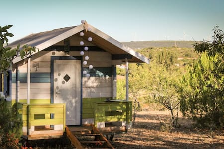 Beach Hut for star gazing on sustainable farm.