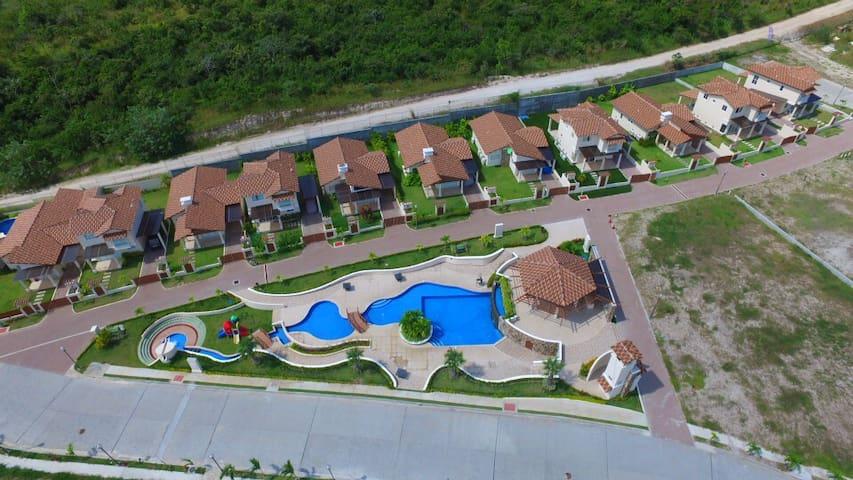 Estupendo apartamento con vista y cercanía al mar. - Panama City - Appartement