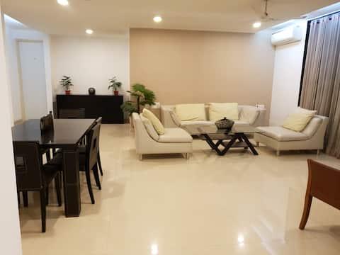 Spokojny, luksusowy apartament 3bhk w Malad