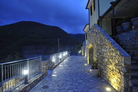 Arianna Hill House - La Spezia