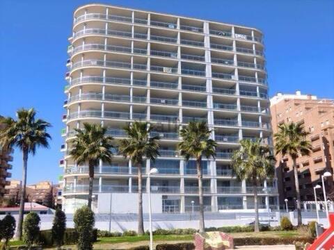 Spacious apartment with sea views+parking - 6PAX